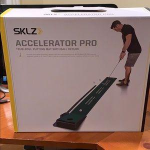 NWT SKLS Accelerator PRO Golf ⛳️ Game